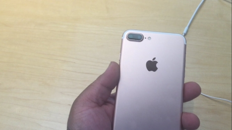 iPhone 7 plus Lock Còn Zin